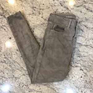 American Eagle Gray Camo Pants